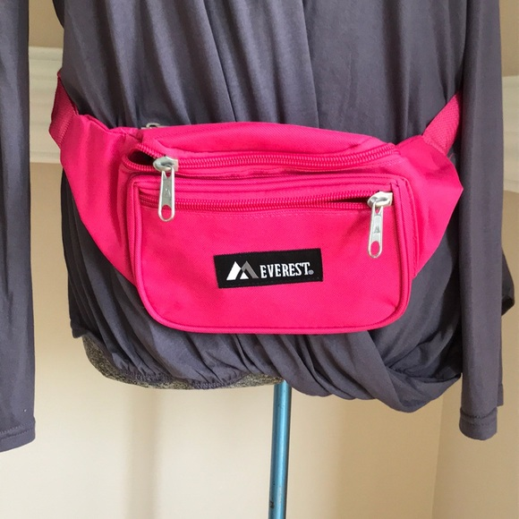 60c10966deed Everest Retro Fanny Pack Waist Travel Hot Pink